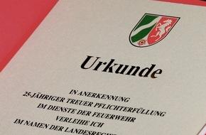 Feuerwehr Essen: FW-E: Verleihung von Feuerwehr-Ehrenzeichen, Presseeinladung, Fototermin