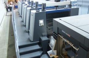 Onlineprinters GmbH: diedruckerei.de investiert über drei Millionen Euro in Produktion / Neue 8-Farben-Offsetdruckmaschine erweitert Kapazität der Onlinedruckerei