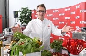 REWE Markt GmbH: REWE bleibt Ernährungspartner des DFB: Strategische Partnerschaft bis 2018 verlängert