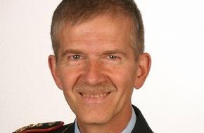 Presse- und Informationszentrum der Streitkräftebasis: Wechsel an der Spitze des Kommandos Streitkräftebasis in Bonn /  Vizeadmiral Manfred Nielson übergibt das Amt des Inspekteurs der Streitkräftebasis an Generalleutnant Martin Schelleis