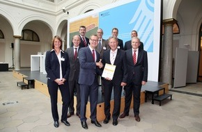 Deutsche Energie-Agentur GmbH (dena): Erdgasfahrzeuge: Modellangebot stark ausgebaut / Politik muss positiven Ankündigungen nun Taten folgen lassen