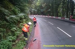 Feuerwehr Plettenberg: FW-PL: Plettenberg / Werdohl. Kilometerlange Ölspur beschäftigte die Feuerwehr. Kreisstraße zwischen Werdohl und Plettenberg zweitweise gesperrt.