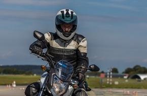 ADAC: Sicher aufs Bike nach der Winterpause / ADAC-Motorrad-Training bringt Fahrer auf Vordermann