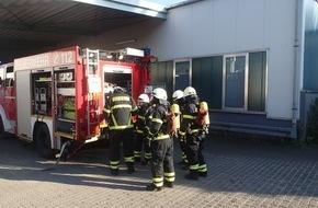 Feuerwehr Plettenberg: FW-PL: Brand einer Absauganlage in einem Industriebetrieb in Plettenberg- Oesterau