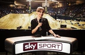 """Sky Deutschland: Eine Sky Sport Moderatorin und ein Frettchen in den Hauptrollen: Schweighöfer-Film """"Vaterfreuden"""" exklusiv bei Sky"""
