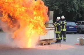 Feuerwehr Haan: FW-HAAN: Feuerwehr lädt zur Übung beim Haaner Sommer ein