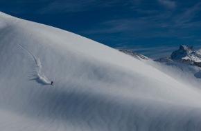 """Radical Sports AG: Freeski im Vormarsch auch bei Schweizer Snowboard Hersteller und Snowboard Pionier """"Radical"""""""