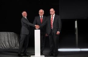 Audi AG: Audi macht die Nacht zum Tag: neues Lichtassistenzzentrum