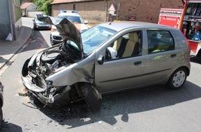 Polizeidirektion Kaiserslautern: POL-PDKL: Verkehrsunfall mit Leichtverletzten