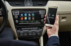 Skoda Auto Deutschland GmbH: Kabelloser Datenfluss vom Smartphone: SKODA präsentiert Wireless MirrorLink