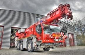 Feuerwehr Mönchengladbach: FW-MG: Auffahrunfall eines LKW auf der BAB A 52