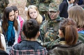 Presse- und Informationszentrum Personal: Bundeswehr öffnet ihre Türen für den Girls´Day - Mädchen-Zukunftstag - 2015