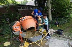 Ford-Werke GmbH: Mentoring, Bewässerungsanlage oder Sport mit Sehbehinderten - Ford-Beschäftigte sind ehrenamtlich breit aufgestellt