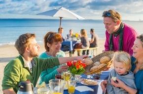OSTSEE-HOLSTEIN-TOURISMUS e.V.: Ostsee-Strandfrühstück - ein aussichtsreicher Start in den Tag