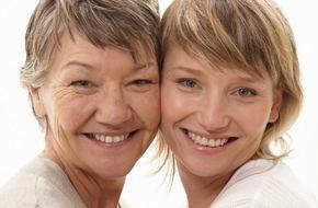 CosmosDirekt: Finanztipps zum Weltfrauentag: Wie Frauen mit geringem Aufwand ihre finanzielle Unabhängigkeit im Alter sichern (FOTO)