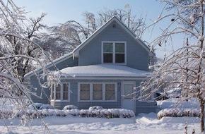 CosmosDirekt: Keine Angst vor Väterchen Frost: Worauf Hausbesitzer im Winter achten sollten