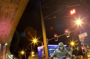 Migros-Genossenschafts-Bund Direktion Kultur und Soziales: Die Veranstaltungsreihe :digital brainstorming des Migros-Kulturprozent präsentiert ein transmediales Spiel von 400asa im Stadtraum Zürich / Der Polder - das Game