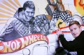 Mattel GmbH: Fußball-Nationalspieler Marco Reus wird zum Graffiti Artist für  Hot Wheels