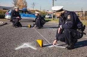 Polizeipressestelle Rhein-Erft-Kreis: POL-REK: Zwei Schwerverletzte - Bedburg