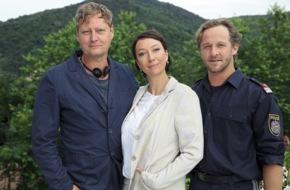 """ARD Das Erste: Das Erste: Drehstart für den TV-Mehrteiler """"Pregau"""" (AT): Maximilian Brückner als Polizist Bucher begeht einen Fehltritt mit fatalen Folgen"""