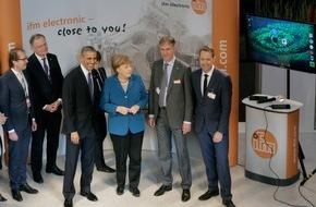ifm electronic gmbh: Merkel und Obama besuchen Messestand von ifm