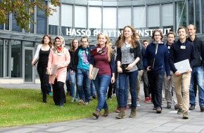 HPI Hasso-Plattner-Institut: Studienstart leicht gemacht: Am Hasso-Plattner-Institut nehmen Paten die Erstsemester in Empfang