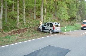 Polizeidirektion Pirmasens: POL-PDPS: Wallhalben - Unfall mit schwerverletzter Fahrerin