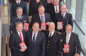 Deutscher Feuerwehrverband e. V. (DFV): Ehrenswert: Handwerk ist Partner der Feuerwehr / Präsidenten von DFV und ZDH zeichnen sieben engagierte Betriebe aus