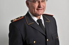 Deutscher Feuerwehrverband e. V. (DFV): Feuerwehr rät: Warnweste stets griffbereit haben / Weste ab 1. 7. 2014 Pflicht in Deutschland / Tipps des Feuerwehrverbandes
