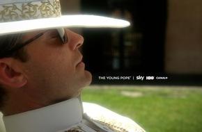 Sky Deutschland: Das erste offizielle Foto: Jude Law als Lenny Belardo, der spätere Papst Pius XIII