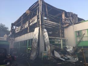 FW-OE: Industriebrand in Olpe, Gewerbegebiet Dahl-Friedrichsthal
