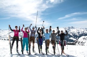 Zillertal Arena: Weiße Pracht in Tracht � das war das Lederhosen Wedelfinale 2015 in der Zillertal Arena