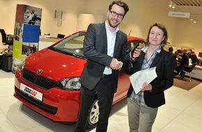 Skoda Auto Deutschland GmbH: Ein echter Hauptgewinn: SKODA übergibt Citigo G-TEC an Diakoniestation Tübingen