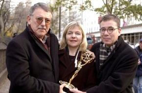 """ARD Radio & TV: ARD-Pressemitteilung: """"Emmy"""" für """"Die Manns"""" - Pleitgen: """"'Emmy' krönt eine Meisterleistung des deutschen Fernsehfilms"""""""