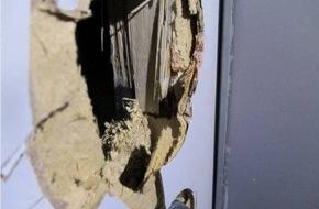 Polizeiinspektion Nienburg / Schaumburg: POL-NI: Zeugen nach Einbruch gesucht
