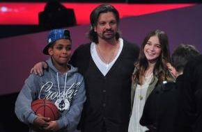 """SAT.1: Team Henning: Danyiom (14) und Hanna (14) sind die ersten Finalisten bei """"The Voice Kids"""" 2014"""
