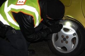 Polizeiinspektion Cuxhaven: POL-CUX: Vorweihnachtliche Verkehrsgroßkontrollen in der Stadt Cuxhaven - Zoll und Polizei steigerten mit Großkontrollen gemeinsam das Sicherheitsgefühl in der Stadt