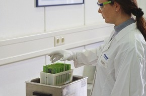 ZESTRON: Präzisionsreiniger Dr. Wack / ZESTRON mit Rekordjahr -  weltweit führende Elektronikhersteller setzen auf Know-how aus Ingolstadt