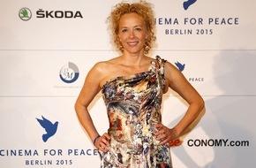 Skoda Auto Deutschland GmbH: SKODA sorgte für glamourösen Auftritt bei Charity-Gala 'Cinema for Peace'