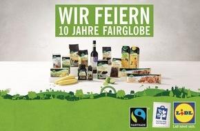 """LIDL: Lidl und Fairtrade - 10 Jahre starke Partnerschaft / 10. Geburtstag der Lidl-Eigenmarke """"Fairglobe"""" - Fairtrade-Projekt für Kaffeebauern in Bolivien - Lidl-Mitarbeiter werden zu """"Fairglobe""""-Botschaftern"""