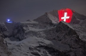 Jungfraubahn Holding AG: Pioneering spirit in the Swiss Alps / Light artist Gerry Hofstetter illuminates the Jungfrau