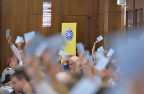 Touring Club Schweiz/Suisse/Svizzero - TCS: Ordentliche Delegiertenversammlung des TCS in Basel: Klare Forderungen zum NAF und Bekenntnis zum Gotthardsanierungstunnel
