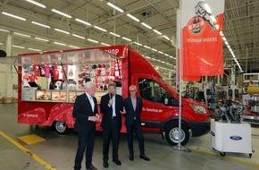 Ford-Werke GmbH: Ford und 1. FC Köln arbeiten zusammen: Partnerschaft bei Übergabe des neuen FC-Fanmobils bekräftigt