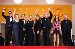 """SWR - Südwestrundfunk: """"Toni Erdmann"""" in Cannes mit dem Kritikerpreis ausgezeichnet Breite internationale Anerkennung für Regisseurin Maren Ade und ihre SWR Kinokoproduktion"""