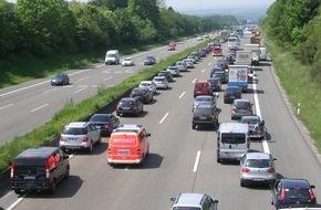 ADAC: In Praxisfragen fit, in der Theorie unsicher / ADAC fragte Wissen der Autofahrer ab