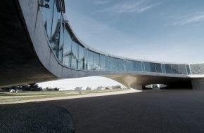 VELUX STIFTUNG: Daylight Award pour le Rolex Learning Center de l'EPF Lausanne / La Fondation Velux attribue le prix d'architecture le mieux doté de Suisse (Image)