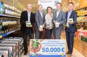 LIDL: Faire Woche: Lidl überreicht 50.000 Euro an Fairtrade International / Lidl setzt sein Engagement für den Fairen Handel fort und unterstützt peruanische Kaffeebauern mit finanzieller Spende