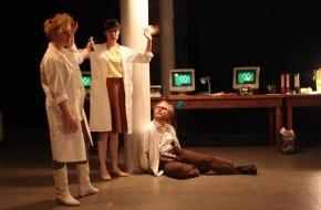 Migros-Genossenschafts-Bund Direktion Kultur und Soziales: Das Migros-Kulturprozent präsentiert die spannende Performance «15.000 Gray» von machina eX / Nervenkitzel zwischen Computerspiel, Theater und interaktiver Installation