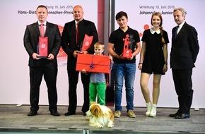 Johanniter Unfall Hilfe e.V.: Hans-Dietrich-Genscher-Preis / Johanniter verleihen Preis an zwei Polizisten für die Rettung von zwei Einbrechern