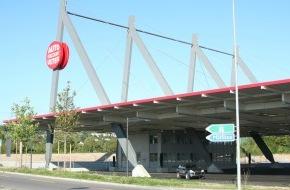 Auto Discount Uster AG: Grösstes Autocenter der Schweiz eröffnet